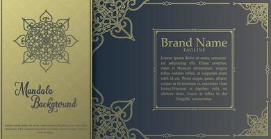 tarjeta de mandala de lujo con elementos dorados.