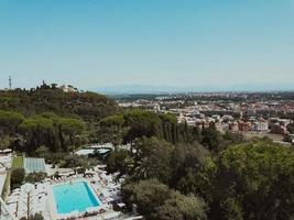 vista aérea de uma cidade foto