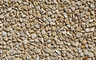 Decorative crushed stones wall