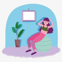 Mujer joven trabajando con pelota de ejercicios en casa