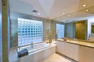 Modern Bathroom photo