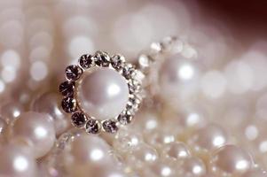 Elegant pearls wearrings photo