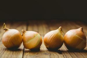 cebollas frescas foto
