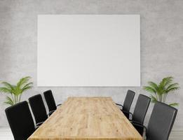 sala de reuniões vazia com cadeiras e uma mesa foto
