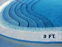 pasos de piscina