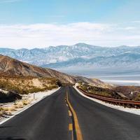 road trip dans les montagnes photo