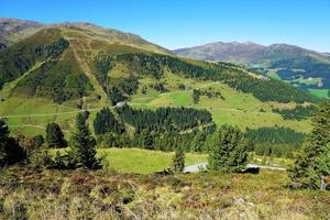 paisaje de montaña en austria foto