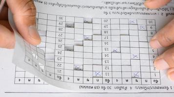 verificação do professor no exame dos alunos video