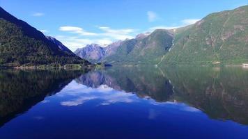 vista aerea del bellissimo fiordo in Norvegia