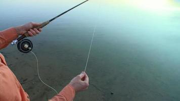 elenco de pesca com mosca