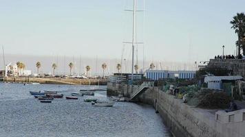 marina de bateau de pêche cascais, soirée, filets de pêche video