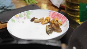 cozinhar peixe video
