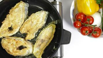 pesce fritto video