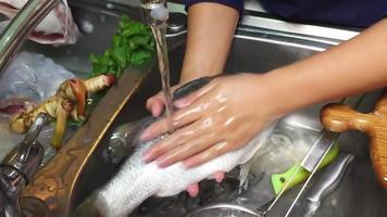 pulire il pesce