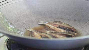 pescado frito.