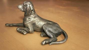 figurina di cane