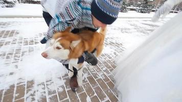 sposi invernali a piedi