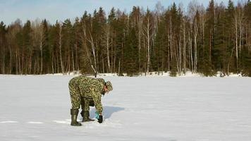 pesca sul ghiaccio