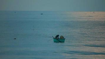 pesca en el mar video