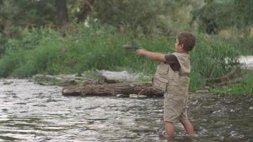 giovane pesca