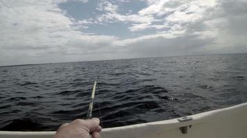 pescar de um barco