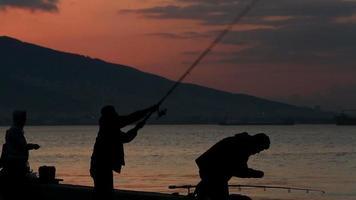 pêcheur de silhouette