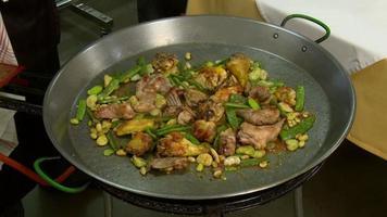 sofrito de paella valenciana video