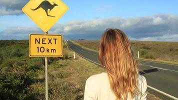 mulher ama viagem na austrália video