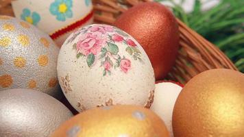 ovos de páscoa em uma cesta video