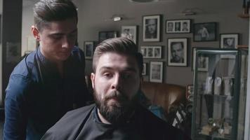 amoroso nuevo estilo de barba