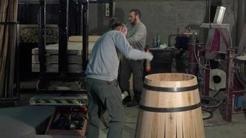 manufacturing wine barrels video