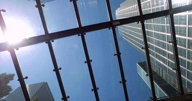 wolkenkrabber skyline door raam