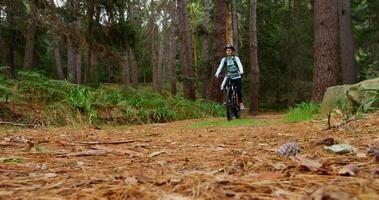 coppia in bicicletta insieme video