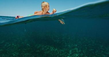 familie samen surfen