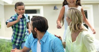 famille heureuse, profiter ensemble