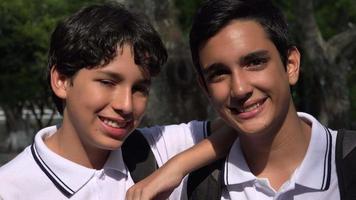 amigos de los niños de la escuela video