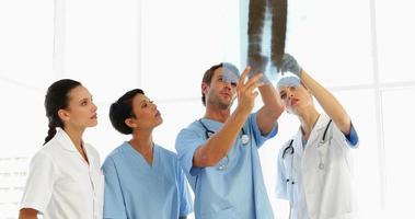 gericht medisch team xray kijken