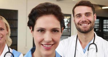 ritratto di medici sorridenti