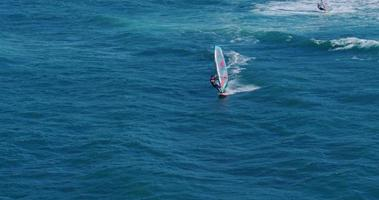 vista aerea del windsurf video