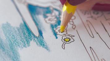 donna colorazione disegno, primo piano