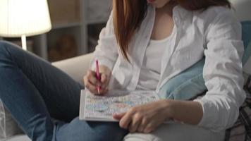 """donna da colorare motivo floreale: libri da colorare per adulti - € """"breve"""