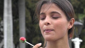 vrouw met snoep, lolly