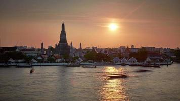 thailand sunset light famous bangkok river bay temple 4k time lapse