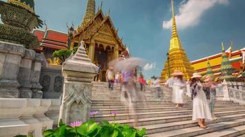 thailand sunny day bangkok temple of the emerald buddha 4k time lapse