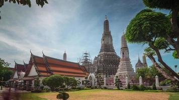 Thaïlande journée ensoleillée bangkok célèbre temple wat arun 4k time lapse