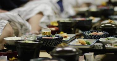 dîner traditionnel japonais