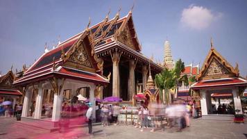 Thaïlande ensoleillé bangkok wat phra kaew temple touristique bondé carré panorama 4 k time-lapse