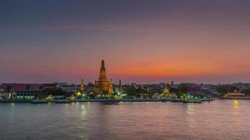 Tailândia Sunset Banguecoque famoso Wat Arun River Temple Panorama 4k Time Lapse