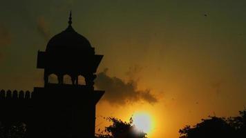 foto fechada da mesquita ao pôr do sol, jama masjid, delhi, índia video