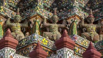 thailand sunny day wat arun temple decoration guardians 4k time lapse